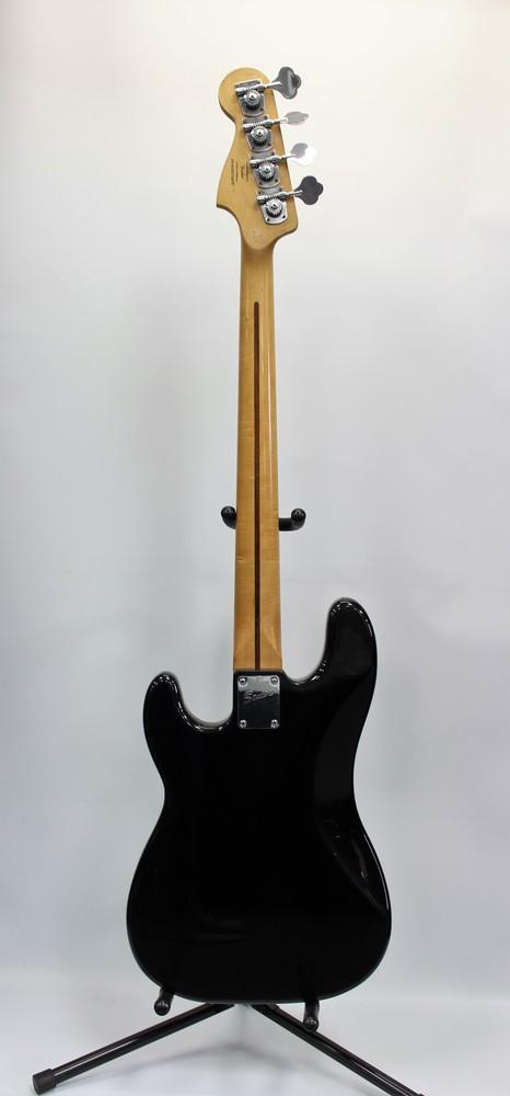 fender squier bass guitar black golden pawn. Black Bedroom Furniture Sets. Home Design Ideas
